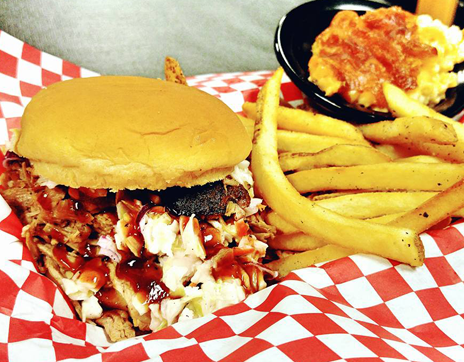bbq_sandwich_Jaxons_Downtown_Franklin_North_Carolina