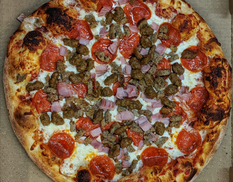 meaty_pizza_Jaxons_Downtown_Franklin_North_Carolina