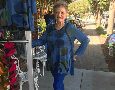 Daytime_at_Divas_on_Main{_Franklin_North_Carolina