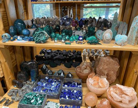 franklin_north_carolina_jackson_hole_gem_mine_multitude_gems_stones