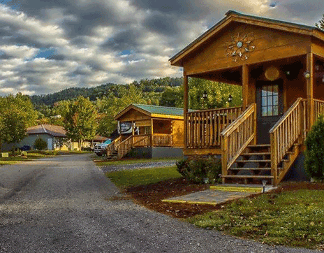 cabins-at-great-outdoors-resort-franklin-north-carolina