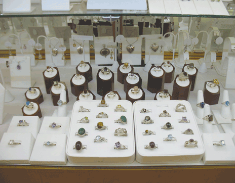 cowee_ruby_mine_jewelry_rings_earrings_franklin_north-caroline